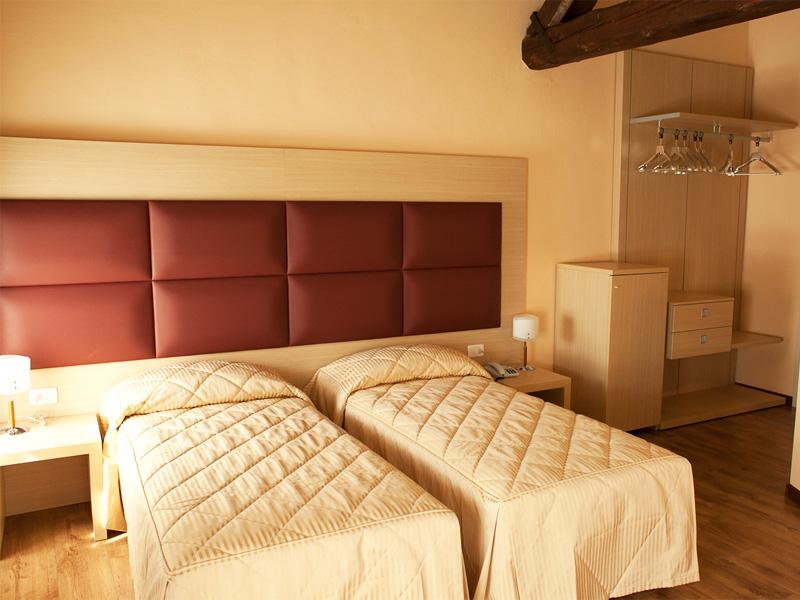 Camera Matrimoniale Hotel Conegliano - Villa Maternini - Prezzo 85€
